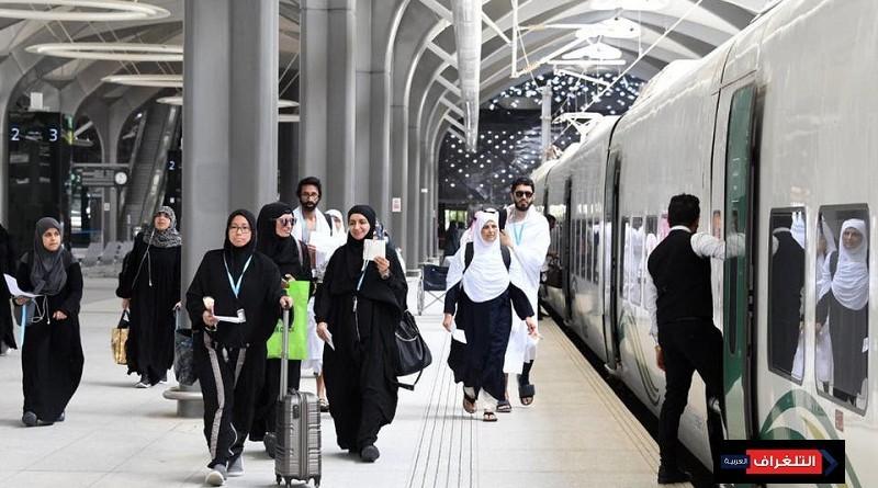 قطار الحرمين ينقل أول رحلة حجاج من المدينة إلى مكة