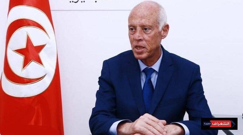"""قيس سعيّد الرئيس المدني الذي يعتبره كثير من التونسيين رجل الصرامة و""""النظافة"""""""