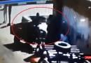 لحظة قتل شخص لابنه وسيدة ورجل في شارع فاروق (فيديو)