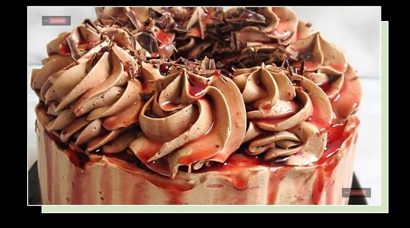 كعكة الشوكولاتة بالكراميل والنبيذ بالكراميل